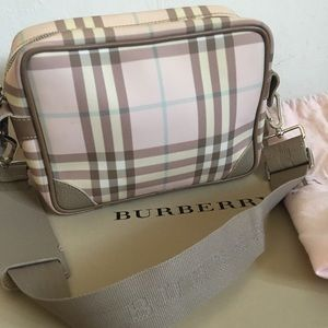 Burberry brand camera style bag